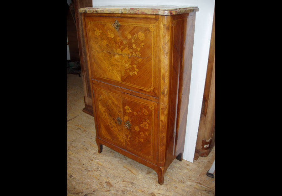 Restauration de mobiliers d 39 antiquit s au p ch du mobilier for Petit secretaire