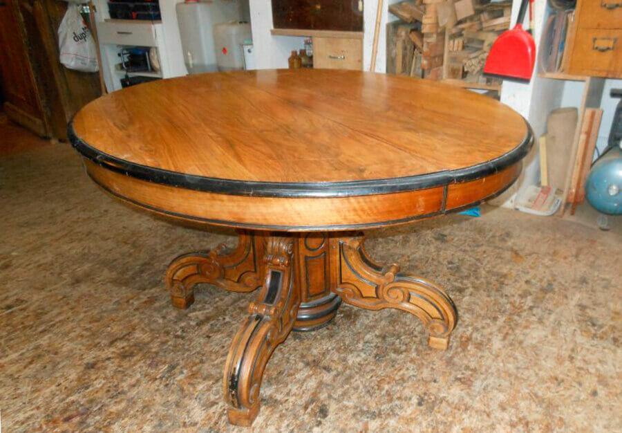 table ovale rallonge en noyer au p ch du mobilier. Black Bedroom Furniture Sets. Home Design Ideas